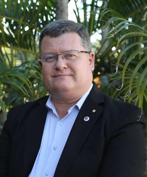 Prof Peter Leggat